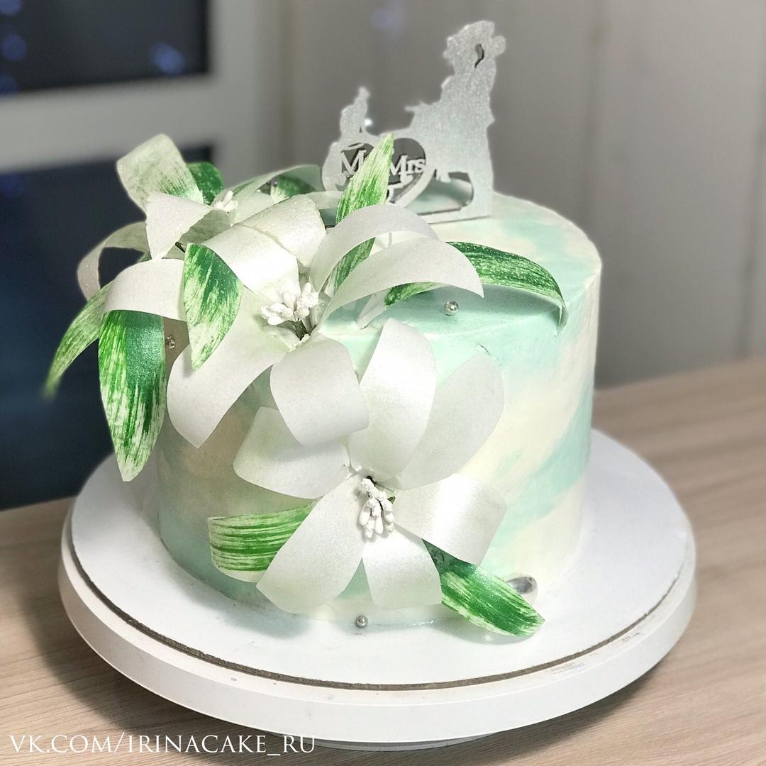 Торт с вафельными цветами (Арт. 521)