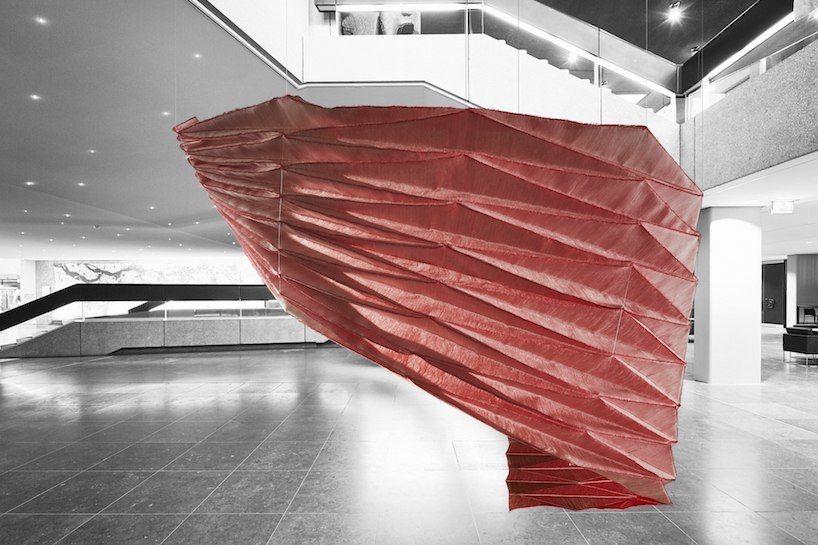3D-структуры студии samira boon переводят оригами в цифровое ткачество