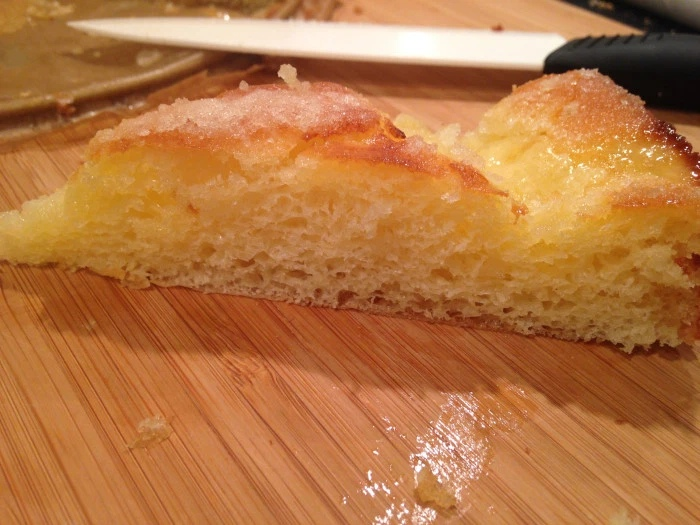 Сахарный пирог со сливками Tarte au sucre: рецепт на дрожжах
