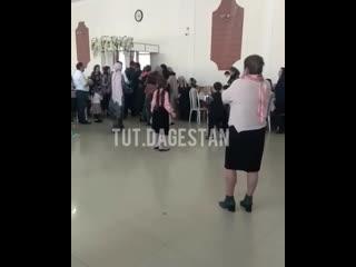 Дагестанец избил беременную жену на свадьбе. Видео: Instagram