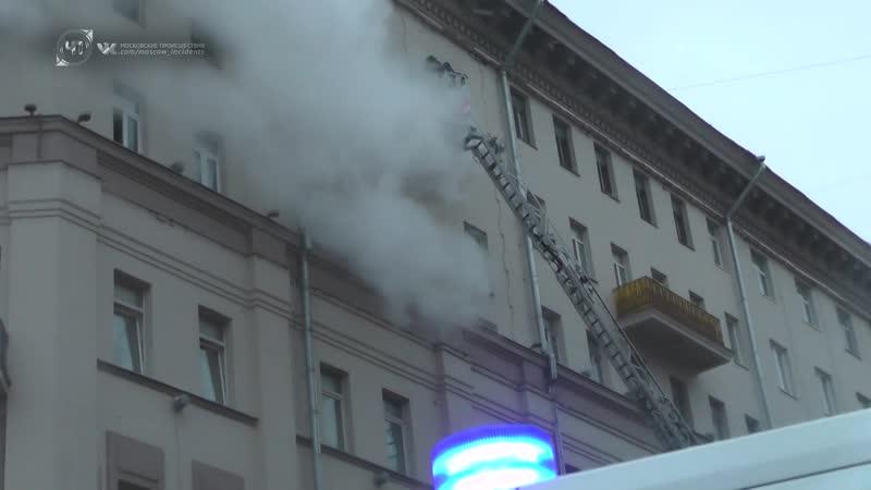 28 человек спасены при тушении пожара на Большой Сухаревской площади
