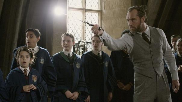 «Фантастические твари 3» покажут больше Хогвартса и Альбуса Дамблдора