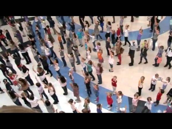 Детский флэшмоб в Метрополисе День Танца