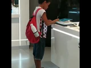 Kid has no internet access, goes to shopping mall to use tablet to do school homework. praise the guys at the store that let him