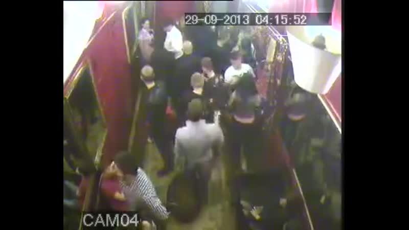 мурманск массовая драка в клубе пиздаки трещат