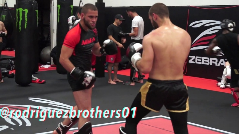 AKA Colombian Twins Smesh Time Sparring Which one is Which