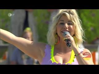 Beatrice Egli - Bunt (ZDF-Fernsehgarten )