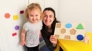 Anne Vlog. Sevcan Derin'e şekilleri öğretiyor! Bebek etkinlikleri ve bebek bakma videosu