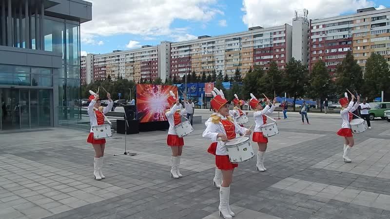 Народный ансамбль эстрадного танца Кредо Шоу барабанщиц