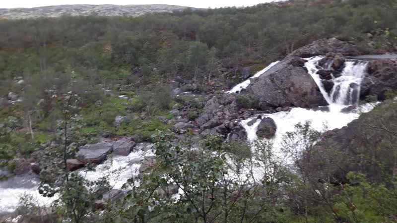 Водопад на притоке Титовки