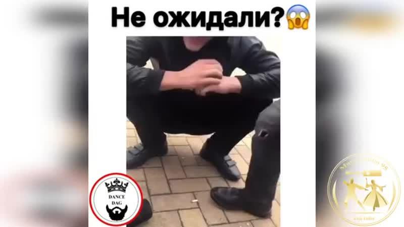 Parni Poet Nerealno Krasivo ZHivym Golosom 2019 (MosCatalogue.mp4