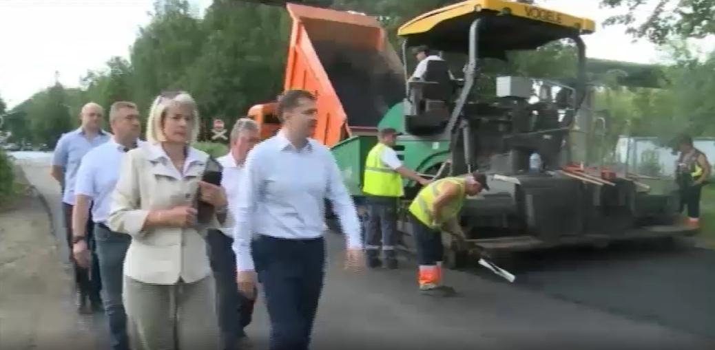Мэр проверил ход ремонта Тормозного шоссе в Ярославле