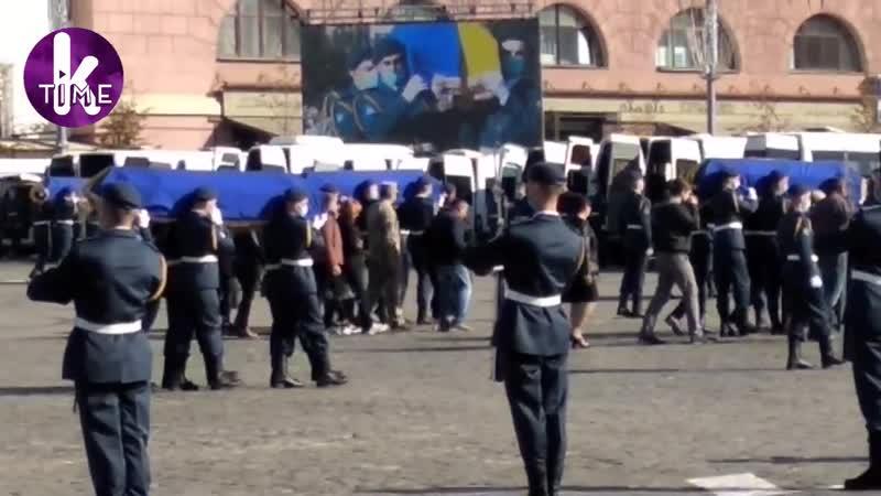 Крушение АН 26 под Чугуевом в Харькове простились с погибшими