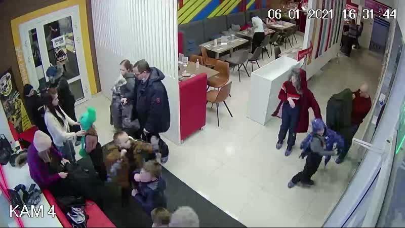 Розыск подозреваемых в краже в батутном центре