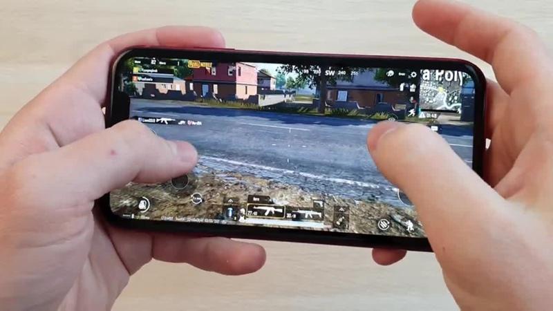 [DimaViper Live] КАК ИДЕТ PUBG MOBILE НА IPHONE XR (APPLE A12) 3GB RAM