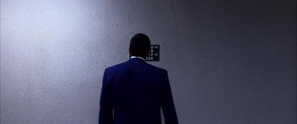 «Любовь, сбивающая с ног» (2002) / часть 1 Режиссер: Пол Томас АндерсонОператор: Роберт Элсвит