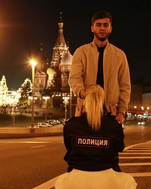 Таджик-блогер и его подруга, устроившие оскорбител...