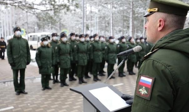 В Кремле рассказали про возможность отменить срочный призыв в армию