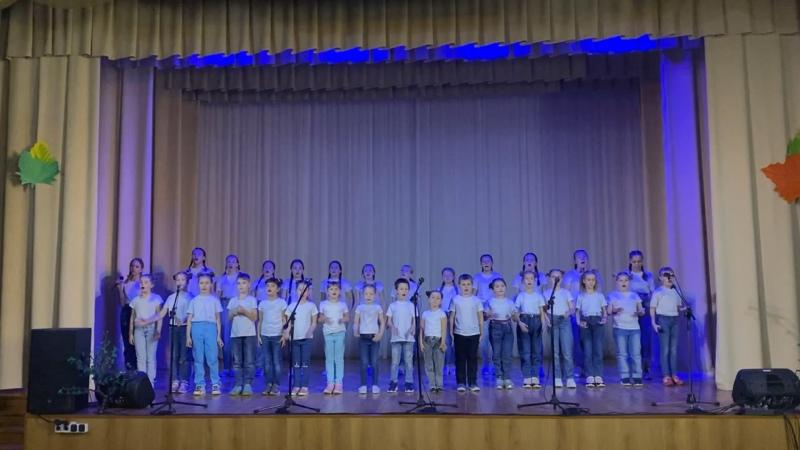Сводный детский хор Вместе весело шагать по просторам