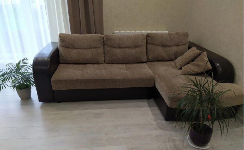 Замечательный угловой диван ищет своих новых хозяев) Цена 7300.