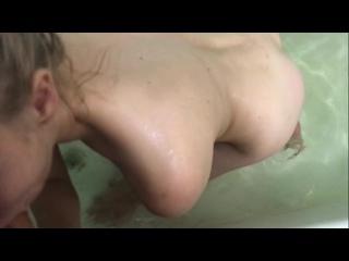 Подсмотрел как сестра мастурбирует в ванной(Домашнее порно,cumshot,частное,sex,xxx,milf,mature,pov,секс,brazzers)