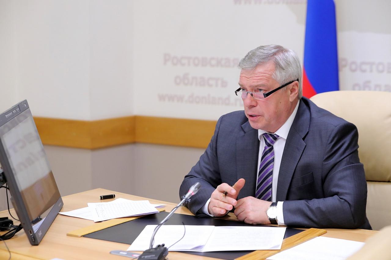 Василий Голубев поручил проработать предложения по корректировке коронавирусных ограничений