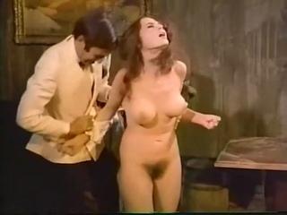 Смешной отрывок с принудительным раздеванием, CMNF, CFNF (в каком-то смысле) и сексом из старого фильма