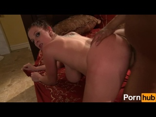 Gianna Michaels отсосала и трахнулась с парнем [big tits,cumshot,perv,porn,natural,ass,blowjob]