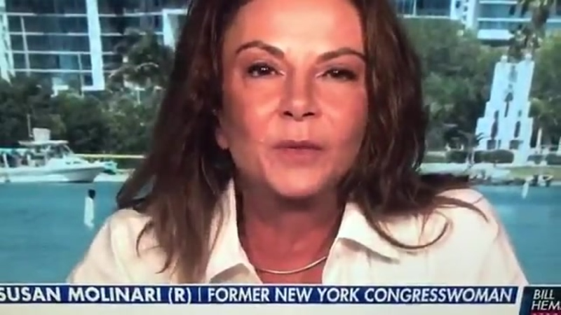 Ehemalige republikanische Abgeordnete zittert während eines Interviews als sie über Q und Trump spricht