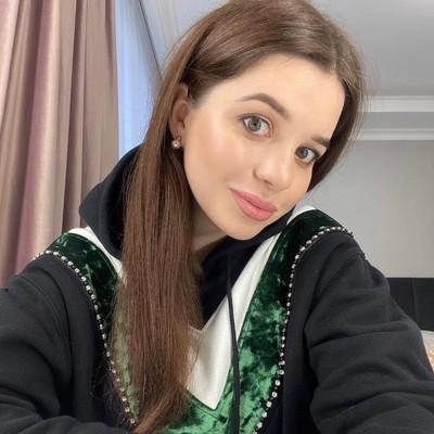 Аня Щёчкина, Москва