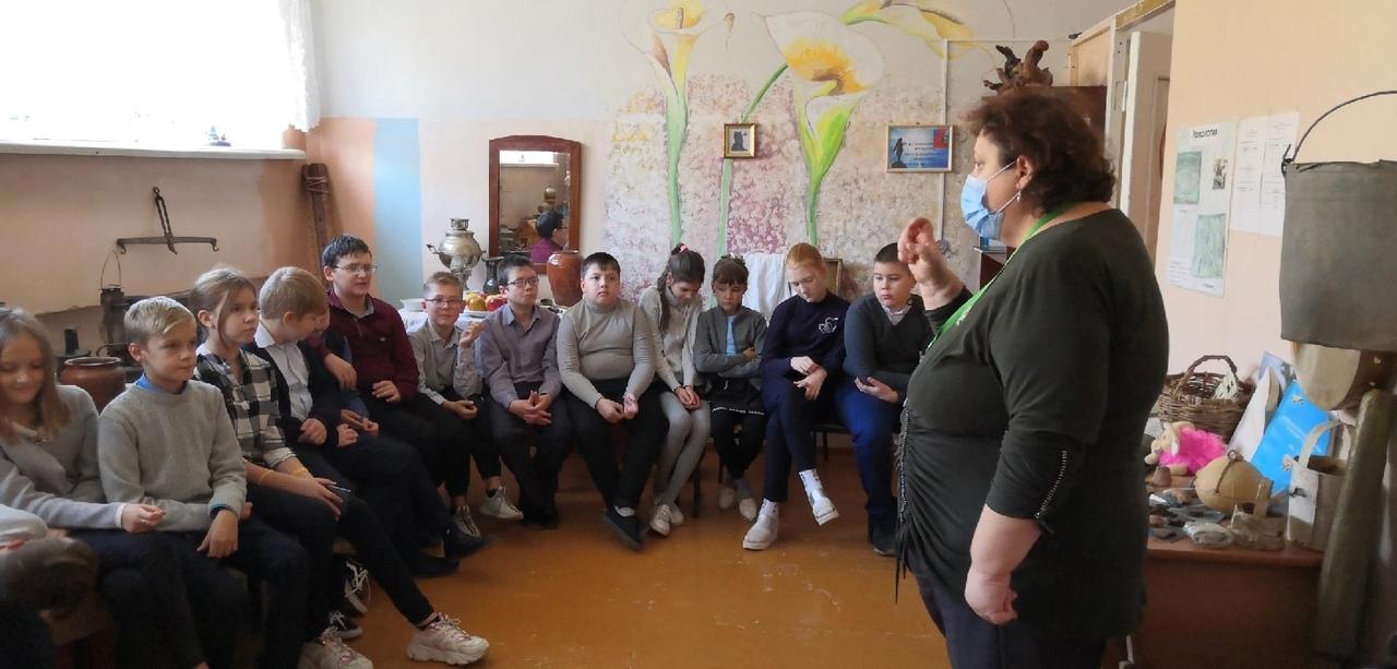 В музее «Петровский патриот» состоялась экскурсионная программа «День гимназиста»