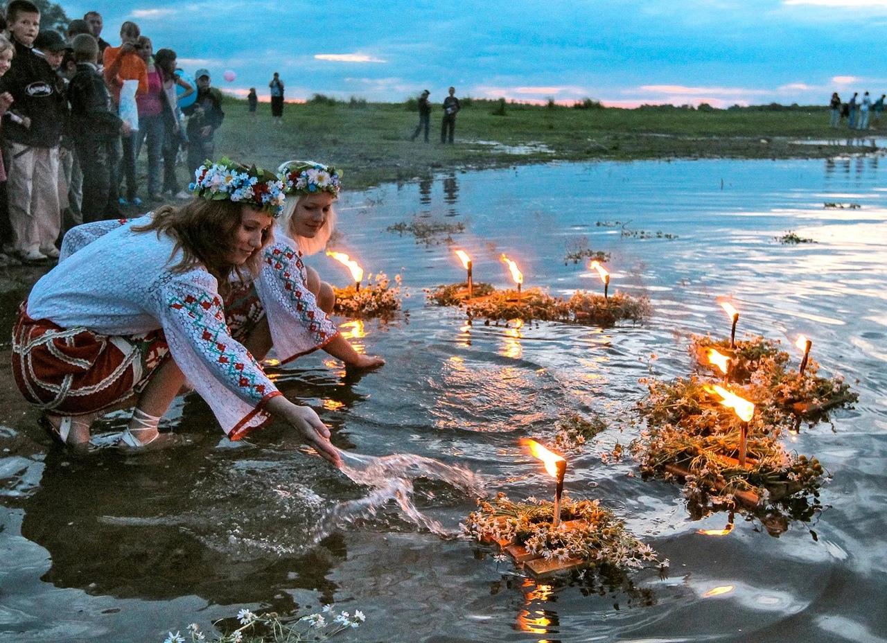 https://www.culture.ru/events/723647/infochas-ivan-kupala#materials