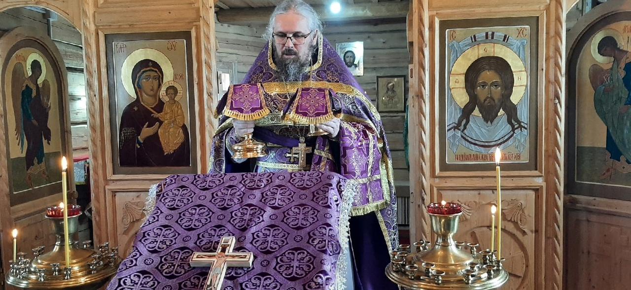 «Несмотря на трудности»: благочинный Веркольского монастыря совершил Литургию в отдаленной деревне на Пинежье