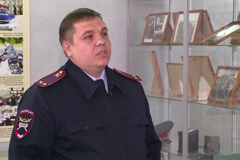 Уэкс-замглавы ГИБДД Воронежской области 22 квартиры. Но задержали его задругое