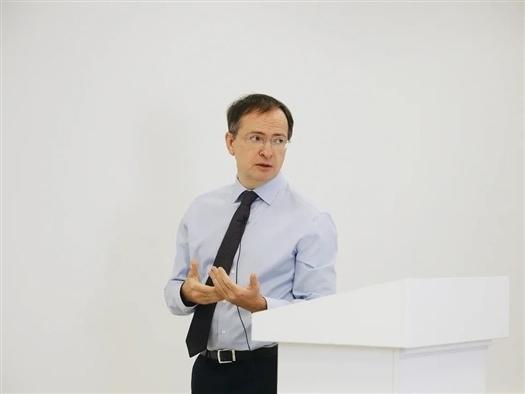 Владимир Мединский в Самаре заявил о необходимости запрет...
