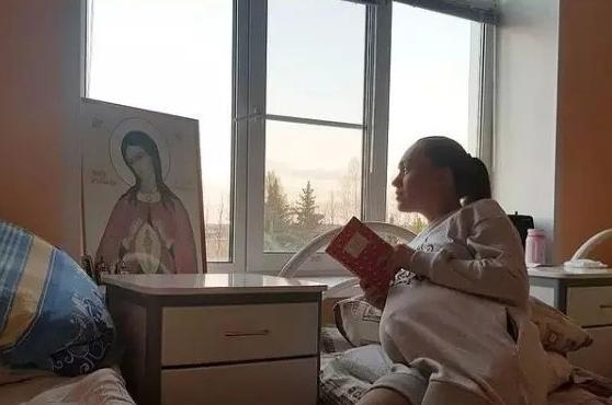 Маша Круглыхина попала в больницу с угрозой выкидыша