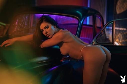 Adriana Chechik 7