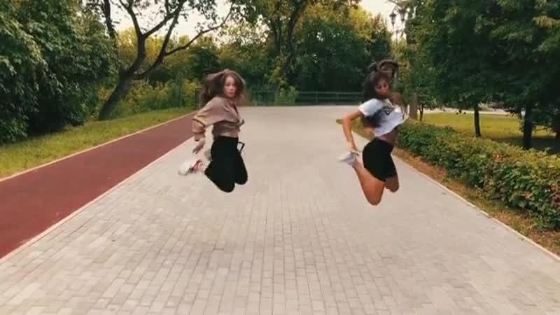 DANCE-Bi Girl Zena и darianakleo
