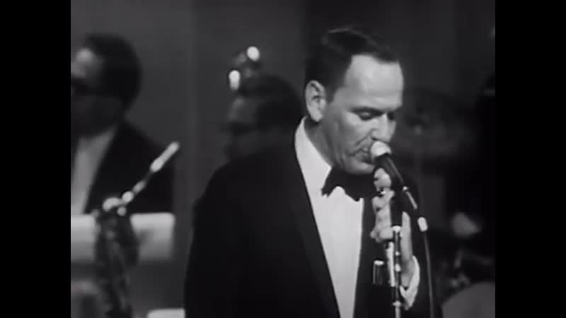 Frank Sinatra - Fly Me To The Moon (Live At The Kiel Opera House, St. Louis, MO_1965) (360p)