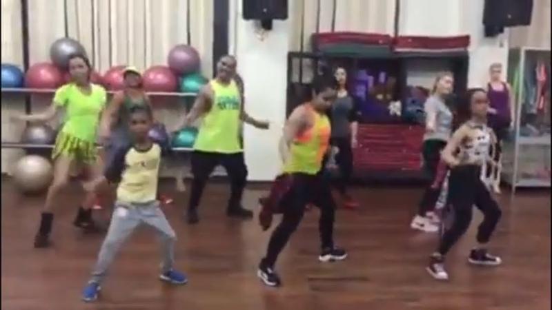 Bocah practice zumba bersama mama muda Gue Sih nyantai aja Remix