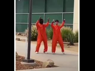 Как сбежать с американской тюрьмы 😂