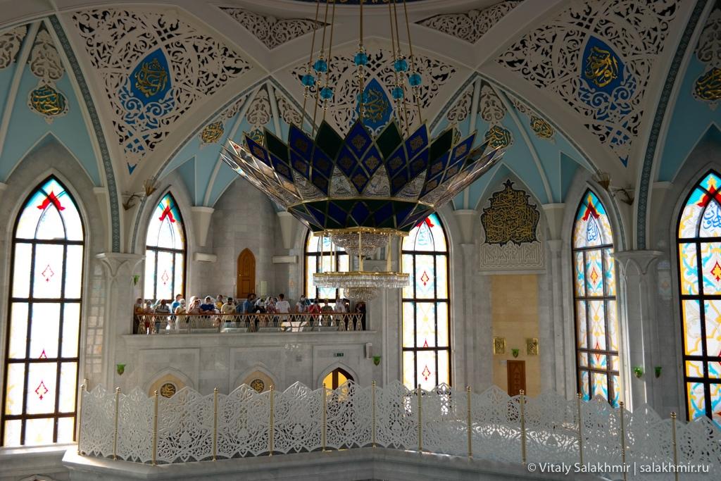 Балкон внутри мечети Кул-Шариф, Казань 2020