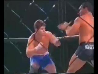 Олег тактаров забивает оппонента в боях без правил!
